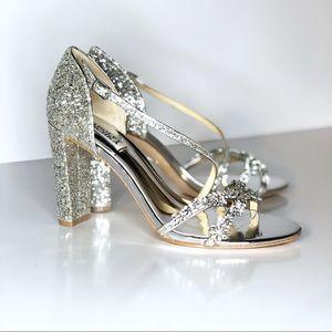 Badgley Mischka jeweled glitter silver shoes 8